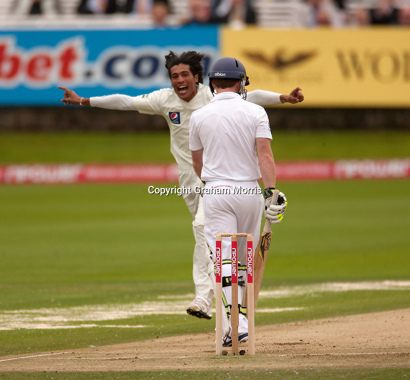 Mohammad Amir celebrates taking the wicket of Eoin Morgan during the final npower Test Match between England and Pakistan at Lord's.  Photo: Graham Morris (Tel: +44(0)20 8969 4192 Email: sales@cricketpix.com) 27/08/10