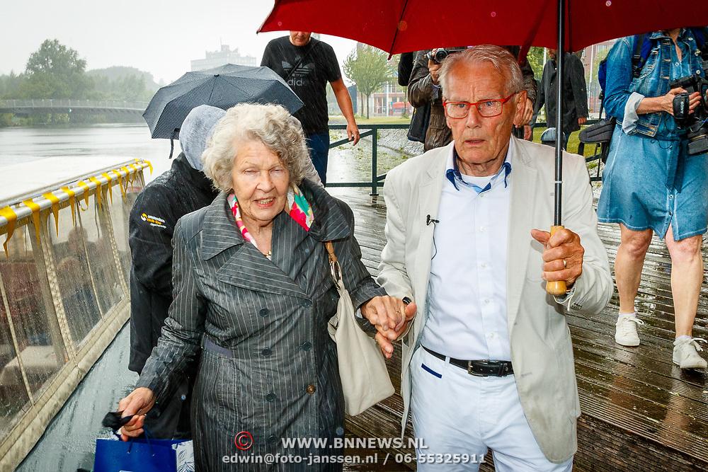 NLD/Amsterdam/20180614 - Doop rondvaartboot Jan Jansen, Jan met zijn partner Cora Lakens