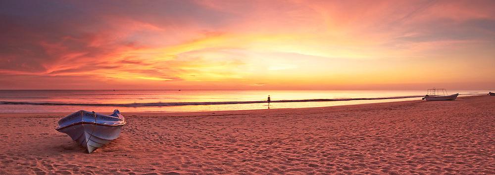 beach sunrise at Nilaveli Sri Lanka