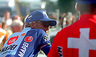 n/z.: Zenon Jaskula ( Mapei - GB ) na mecie Tour de France w Paryzu , kolarstwo szosowe , Francaj , Paryz , 27-07-1997 , fot.: Adam Nurkiewicz / mediasport....Zenon Jaskula ( Mapei - GB ) on the finish Tour de France in Paris. July 27, 1997 ; France , Paris ( Photo by Adam Nurkiewicz / mediasport )