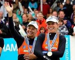 03-06-2012 VOLLEYBAL: EK BEACHVOLLEYBAL FINAL: SCHEVENINGEN<br /> (L-R) Marleen van Iersel, Sanne Keizer<br /> &copy;2012-FotoHoogendoorn.nl