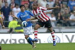 17-09-2006 VOETBAL: PSV - FEYENOORD: EINDHOVEN <br /> PSV verslaat in eigen huis Feyenoord met 2-1 / Karim Saidi<br /> &copy;2006-WWW.FOTOHOOGENDOORN.NL