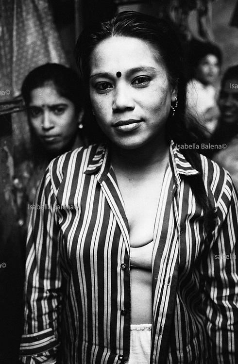 apr 1991, india, bombay, falkland road, prostitute, position: sheet n°4 © ISABELLA BALENA www.isabellabalena.com