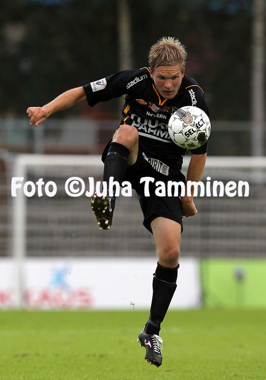 27.8.2012, Tapiolan urheilupuisto, Espoo..Veikkausliiga 2012..FC Honka - Vaasan Palloseura..Sampo Koskinen - Honka