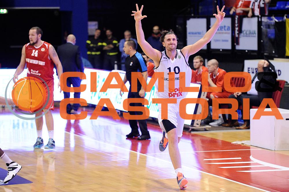 DESCRIZIONE : Biella Fiba Europe EuroChallenge 2014-2015 Bonprix Biella PO Antwerp Giants<br /> GIOCATORE : Luca Infante<br /> CATEGORIA : esultanza<br /> SQUADRA : Bonprix Biella<br /> EVENTO : Fiba Europe EuroChallenge 2014-2015<br /> GARA : Bonprix Biella PO Antwerp Giants<br /> DATA : 12/11/2014<br /> SPORT : Pallacanestro <br /> AUTORE : Agenzia Ciamillo-Castoria/Max.Ceretti<br /> Galleria : Fiba Europe EuroChallenge 2014-2015<br /> Fotonotizia : Biella Fiba Europe EuroChallenge 2014-2015 Men Bonprix Biella PO Antwerp Giants<br /> Predefinita :