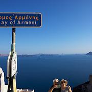 Bay of Armeni, Santorini. Baie d' Armeni, Santorin.