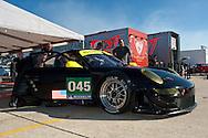 #045 Flying Lizard Motorsport Porsche 911 GT3 RSR: Patrick Long, Jorg Bergmeister