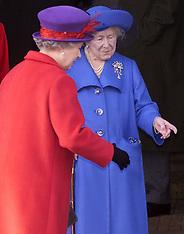 DEC 25 2000 Royals at Sandringham
