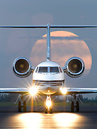 Aviation Gulfstream G4 at moon rise
