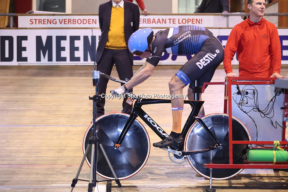 27-12-2017: Wielrennen: NK Baan: Alkmaar <br /> Dion Beukeboom pakt de titel op de achtervolging bij de mannen. In de finale klopt hij overtuigend Roy Eeftink