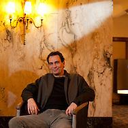"""Schauspieler Max Wächter floh vor den Nazis - sein schwedischer Großneffe Jonatan (11) präsentiert nun am Freitag als Schauspieler den Film ,,Simon"""" auf dem Filmfest Der elfjährige Jonatan spielt im Film """"Simon"""", der am Donnerstag ins Kino kommt. Simon begibt sich auf die Suche nach seinen Eltern, deutschen Juden. Das Gleiche machte übrigens Jonatans Vater. Seine jüdischen Vorfahren stammten aus Hamburg."""