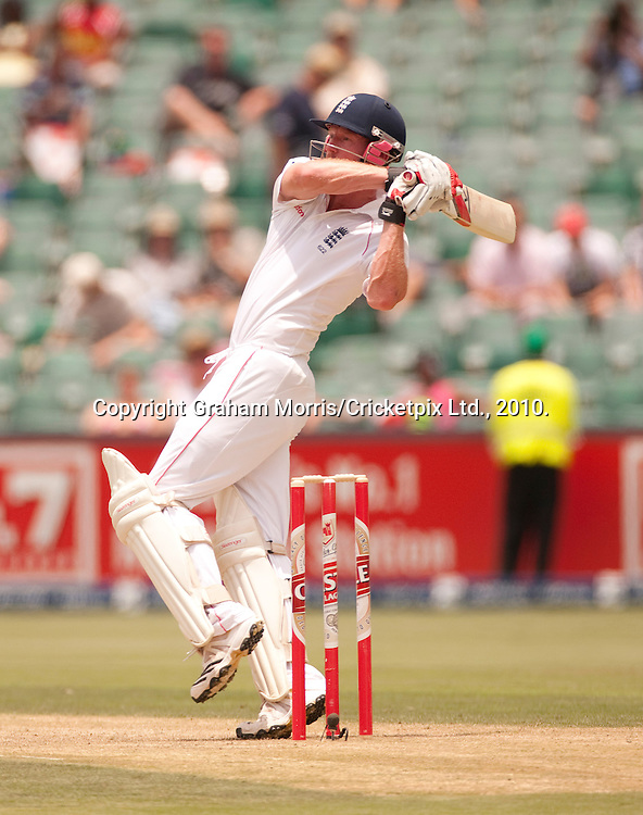 Paul Collingwood hits Wayne Parnell for six during the fourth and final Test Match between South Africa and England at the Wanderers Stadium, Johannesburg. Photograph © Graham Morris/cricketpix.com (Tel: +44 (0)20 8969 4192; Email: sales@cricketpix.com)