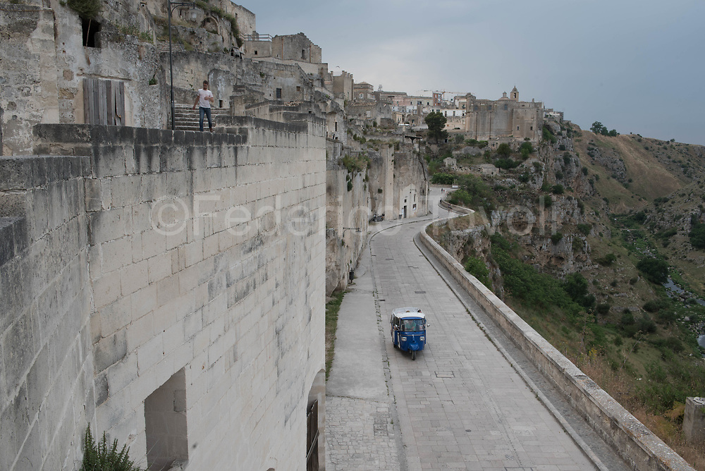 Along the canyon that crosses the Sasso Caveoso