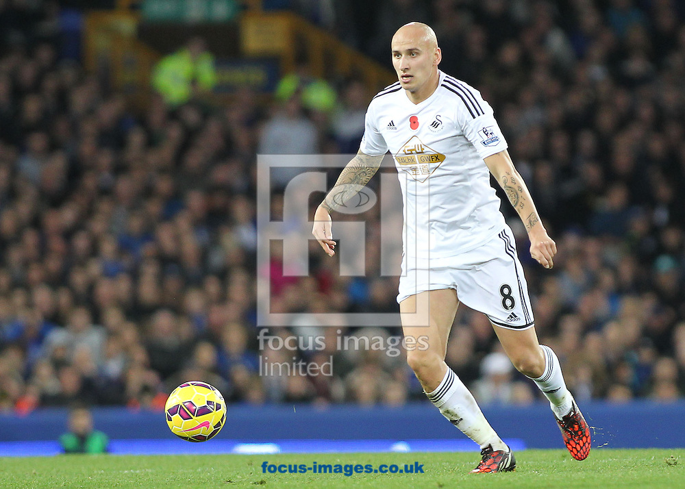 Jonjo Shelvey of Swansea City in action against Everton during the Barclays Premier League match at Goodison Park, Liverpool.<br /> Picture by Michael Sedgwick/Focus Images Ltd +44 7900 363072<br /> 01/11/2014
