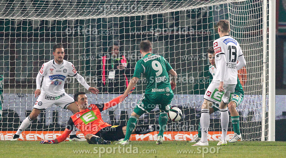 28.02.2015, Ernst Happel Stadion, Wien, AUT, 1. FBL, SK Rapid Wien vs SK Puntigamer Sturm Graz, 22. Runde, im Bild Christian Gratzei (SK Puntigamer Sturm Graz) , Robert Beric (SK Rapid Wien) und Simon Piesinger (SK Puntigamer Sturm Graz) // during Austrian Football Bundesliga Match, 22th Round, between SK Rapid Vienna and FK Austria Vienna at the Ernst Happel Stadion, Wien, Austria on 2015/02/28. EXPA Pictures © 2015, PhotoCredit: EXPA/ Alexander Forst