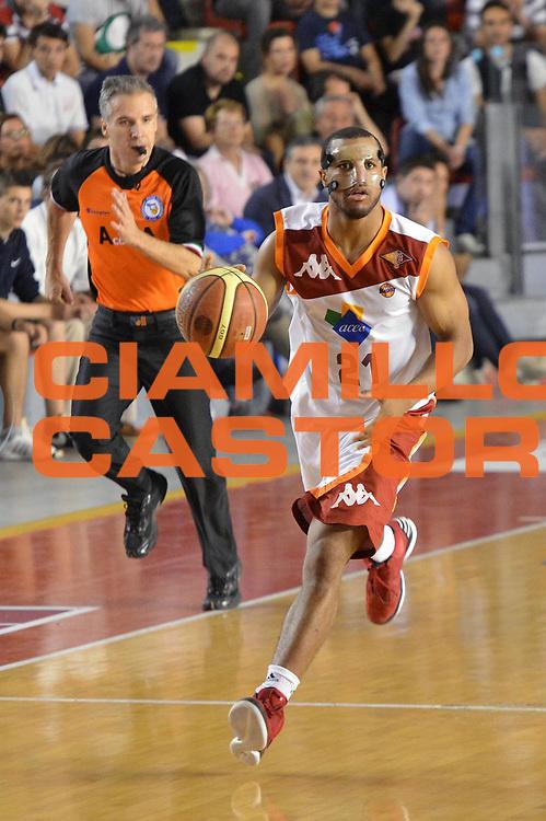 DESCRIZIONE : Roma Lega A 2012-2013 Acea Roma Lenovo Cantu playoff semifinale gara 5<br /> GIOCATORE : Jordan Taylor<br /> CATEGORIA : Palleggio<br /> SQUADRA : Acea Roma<br /> EVENTO : Campionato Lega A 2012-2013 playoff semifinale gara 5<br /> GARA : Acea Roma Lenovo Cantu<br /> DATA : 02/06/2013<br /> SPORT : Pallacanestro <br /> AUTORE : Agenzia Ciamillo-Castoria/GiulioCiamillo<br /> Galleria : Lega Basket A 2012-2013  <br /> Fotonotizia : Roma Lega A 2012-2013 Acea Roma Lenovo Cantu playoff semifinale gara 5<br /> Predefinita :