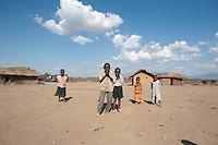 07 OCT 2009, MOSHI/TANZANIA:<br /> Kinder eines Dorfes, das durch ein von der KfW finanziertes Projekt eine Trinkwasserversorgung erhalten wird, ONE Informationsreise nach Tansania, Moshi / Kilimandschro<br /> IMAGE: 20091007-01-256<br /> KEYWORDS: Reise, Trip, Entwicklungshilfe, Afrika, Africa, Kind, child