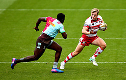 Ollie Thorley of Gloucester Rugby goes past Dino Lamb of Harlequins - Mandatory by-line: Robbie Stephenson/JMP - 29/07/2017 - RUGBY - Franklin's Gardens - Northampton, England - Gloucester Rugby v Harlequins - Singha Premiership Rugby 7s