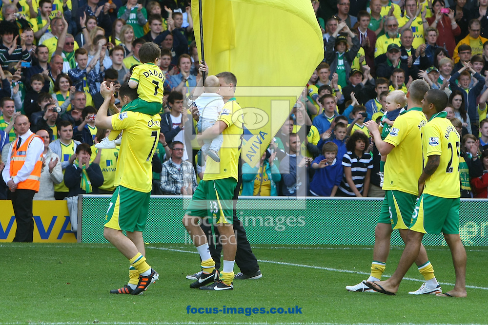 Picture by Paul Chesterton/Focus Images Ltd.  07904 640267.13/05/12.The Norwich do their lap of appreciation after the Barclays Premier League match at Carrow Road Stadium, Norwich.
