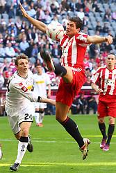 02.04.2011, Allianz Arena, Muenchen, GER, 1.FBL, FC Bayern Muenchen vs Borussia Moenchengladbach , im Bild Tony Jantschke (Borussia #24) und Mario Gomez (Bayern #33)  , EXPA Pictures © 2011, PhotoCredit: EXPA/ nph/  Straubmeier       ****** out of GER / SWE / CRO  / BEL ******