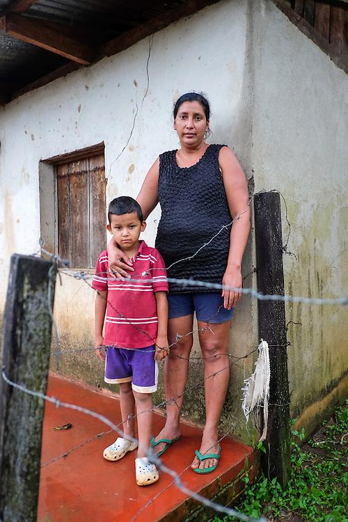 Community La Limonera, Jalapa, Nueva Segovia - Nicaragua 10-2014<br /> Photography by Aaron Sosa<br /> <br /> Portraits of Mrs. Guadalupe Garc&iacute;a <br /> Association of Women against Violence of Jalapa Oyanka.