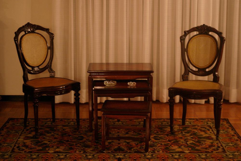 Belo Horizonte_MG, Brasil...Mesa com cadeira em uma casa...The table with chairs in the house...Foto: LEO DRUMOND / NITRO.