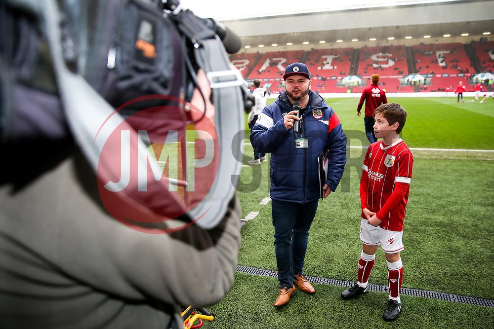 Ian Downs interviews a mascot - Rogan/JMP - 27/01/2018 - Ashton Gate Stadium - Bristol, England - Bristol City v Queens Park Rangers - Sky Bet Championship.