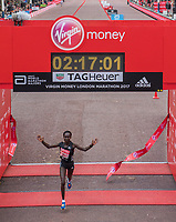 Mary Keitany KENcrosses the line to win the Elite Women's Race. The Virgin Money London Marathon, 23rd April 2017.<br /> <br /> Photo: Thomas Lovelock for Virgin Money London Marathon<br /> <br /> For further information: media@londonmarathonevents.co.uk