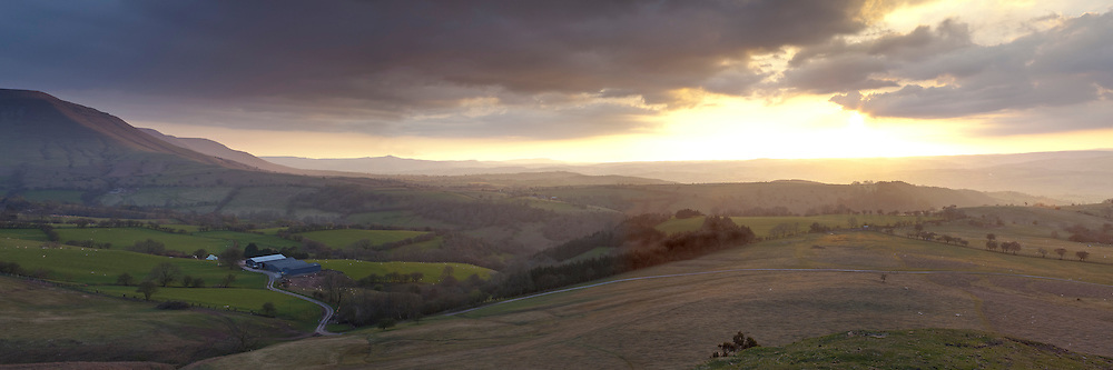 Wye Valley and Lord Hereford's Knob, Black Mountains from Hay Bluff car park, Herefordshire, Uk