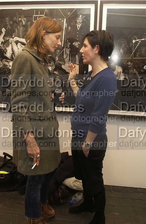 PHOEBE PHILO AND SHARLEEN SPITERI. Hope and Glory Photographs by Dennis Morris. Max Wigram Gallery. 99 New Bond St. 13 December 2005. ONE TIME USE ONLY - DO NOT ARCHIVE  © Copyright Photograph by Dafydd Jones 66 Stockwell Park Rd. London SW9 0DA Tel 020 7733 0108 www.dafjones.com