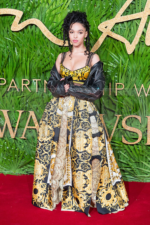© Licensed to London News Pictures. 04/12/2017. London, UK. FKA TWIGS arrives for The Fashion Awards 2017 held at the Royal Albert Hall. Photo credit: Ray Tang/LNP