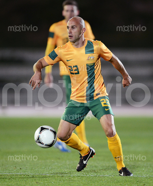 FUSSBALL INTERNATIONAL  Testspiel   Rumaenien - Australien        07.02.2013 Mark BRESCIANO (Australien) am Ball