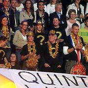 NLD/Baarn/20070314 - 10de Live uitzending RTL Dancing on Ice 2007, fans, familie op de tribune van Quinty Trustfull, midden 1e rij haar vader