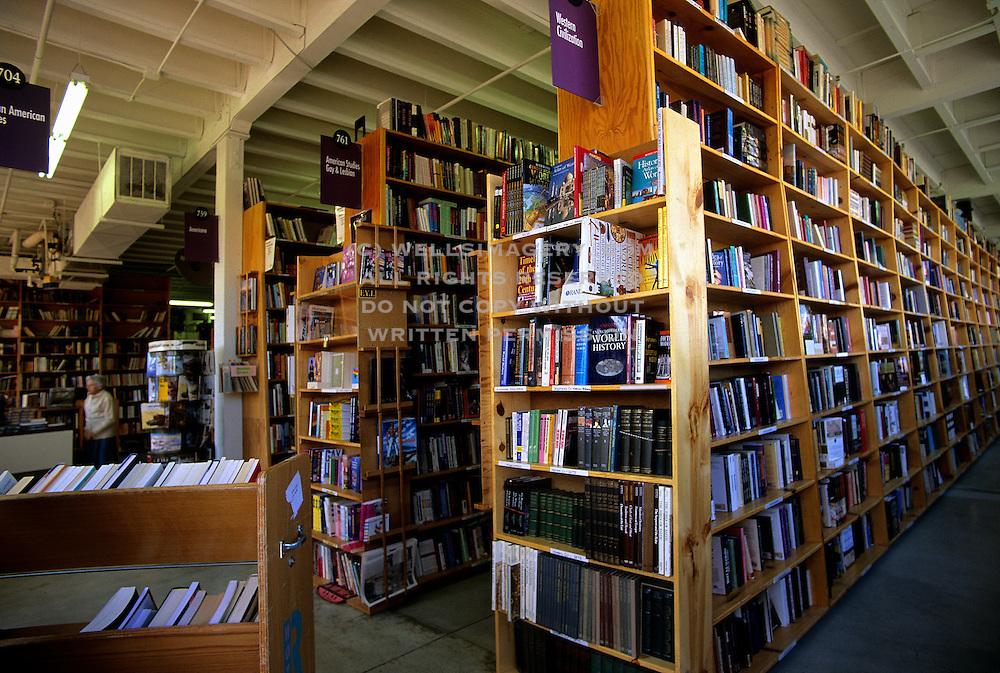 alyssa sm powells bookstore - 1000×673