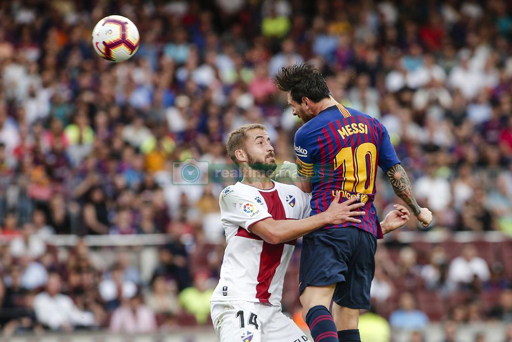 صور مباراة : برشلونة - هويسكا 8-2 ( 02-09-2018 )  20180902-zaa-n230-519