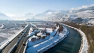 L'autoroute A9 et le Rhone, la ville de Sion les chateaux de Valere et Tourbillon en hiver 2017<br /> (OLIVIER MAIRE)