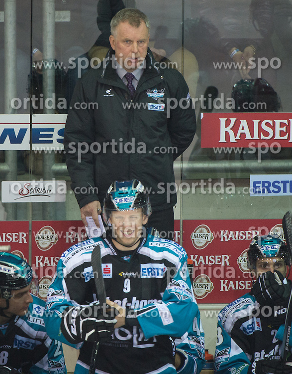 06.12.2015, Keine Sorgen Eisarena, Linz, AUT, EBEL, EHC Liwest Black Wings Linz vs HCB Suedtirol, 28. Runde, im Bild Head-Coach Robert Daum (EHC Liwest Black Wings Linz) // during the Erste Bank Icehockey League 28thround match between EHC Liwest Black Wings Linz and HCB Suedtirol at the Keine Sorgen Icearena, Linz, Austria on 2015/12/06. EXPA Pictures © 2015, PhotoCredit: EXPA/ Reinhard Eisenbauer