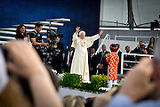 Il Papa Benedetto XVI al VII° Incontro Mondiale delle Famiglie al campo volo di Bresso...Pope Benedict XVI at the world meeting of families at the Bresso airport.