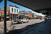 Main Street, Cuero, Texas. Fracking brought a huge oil boom to Dewitt County in Texas...© Stefan Falke www.stefanfalke.com.Unterwegs mit Peter Hossli.