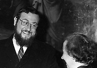 Rabbi Ephraim Mirvis, New Chief Rabbi of Ireland at a reception in Clonliffe College, following the Installation of the New Archbishop of Dublin, Most Rev Kevin McNamara, 20/01/1985 (Part of the Independent Newspapers Ireland/NLI Collection).