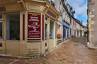 France, Centre-Val de Loire, Cher (18), le Berry, village de Sancerre, rue de la Paix// France, Cher 18, Sancerre village, speciality
