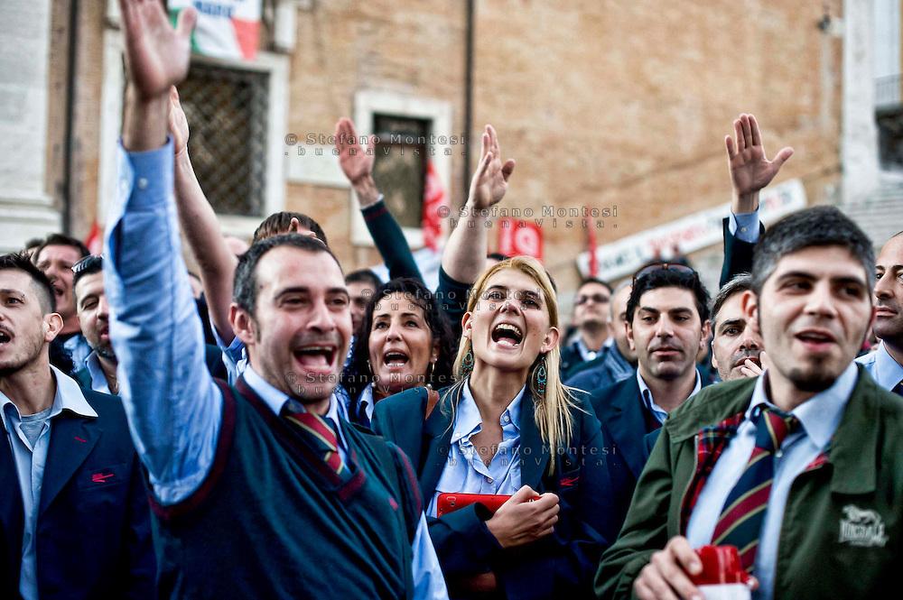 Roma  6 Novembre 2013<br /> Centinaia di autisti autorganizzati dell' ATAC, il trasporto pubblico di Roma, manifestano al Campidoglio, contro le politiche dell'azienda, per gli straordinari imposti e la carenza di organico.<br /> Gli autisti  rifiutano gli straordinari e contestano  anche la politica dei sindacati. Micaela Quintavalle, autista e leader  della protesta nata via Facebook (C)<br /> Rome November 6, 2013<br /> Hundreds of drivers of self-organized  of the  ATAC, Rome's public transport, manifest at the Capitol against the company's policies, imposed for overtime and lack of staff.<br /> The drivers refuse overtime and also question the policy of trade unions.  Micaela Quintavalle, driver and leader of the protest came in with Facebook (C)