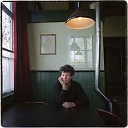 03-11-1999-Tijnje (FR) Rolbrug, toneelschrijver<br /> Bouke Oldenhof.<br /> Foto: Sake Elzinga