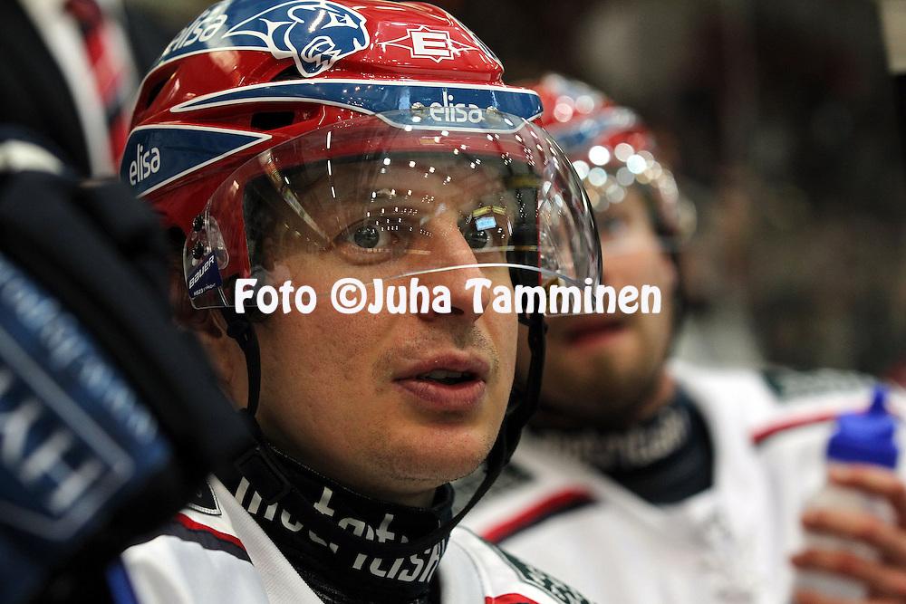 8.1.2011, H?meenlinna..J??kiekon SM-liiga 2010-11. .HPK - HIFK..Tommi Kovanen - HIFK.©Juha Tamminen.