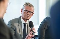 27 JUN 2017, BERLIN/GERMANY:<br /> Juergen Fenske, Praesident Verband Deutscher Verkehrsunternehmen, 25. bbh-Energiekonferenz &quot;Letzte Ausfahrt Dekarbonisierungf Energie- und Mobilit&auml;tswende&quot;, Franz&ouml;sischer Dom<br /> IMAGE: 20170627-01-139<br /> KEYWORDS: J&uuml;rgen Fenske