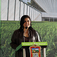 Toluca, México.-  María Elena Barrera Tapia, presidenta municipal de Toluca, durante la inauguración del Vivero Forestal de Alta Tecnología el cual tuvo una inversión de 8 millones 400 mil pesos. Agencia MVT / Arturo Rosales Chávez. (DIGITAL)