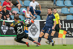 17.07.2019, Kufstein Arena, Kufstein, AUT, Testspiel, Borussia Moenchengladbach vs Istanbul Basaksehir FC, im Bild v.l. Tobias Sippel (Borussia Mönchengladbach), Edin Visca (Basaksehir FK) // during a test match for the upcoming Season between Borussia Moenchengladbach and Istanbul Basaksehir FK at the Kufstein Arena in Kufstein, Austria on 2019/07/17. EXPA Pictures © 2019, PhotoCredit: EXPA/ Lukas Huter