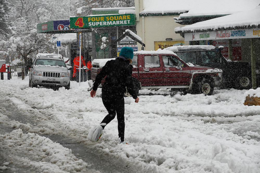 Heavy snow at Hamner Springs meant walking was the best option for some people, plastic bags on shoes were common, New Zealand, Wednesday, June 06, 2012.  Credit:SNPA / Pam Johnson