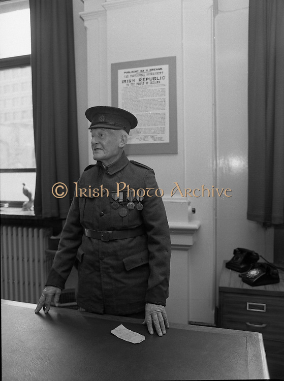 1916 Uniform Is Presented to The National Museum..(L8)..1977..23.04.1977..04.23.1977..23rd April 1977..Today Sean Duffy will parade his Irish Volunteer uniform for the last time as he wears it before he presents it to the National Museum, Kildare Street, Dublin. He wore the uniform on active service in the North Brunswick/North King Street theatre of operations in Easter Week 1916. He also managed to wear the uniform while held in detention in both England and Wales in the aftermath of the rising..Sean Duffy is pictured wearing the uniform he wore during the 1916 rising.