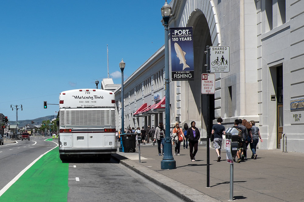 Crowded Promenade and a Tour Bus blocking part of Bike Lane | May 6, 2014